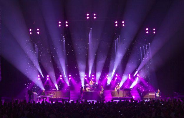 Ứng dụng tuyệt vời của đèn LED trong chiếu sáng sân khấu