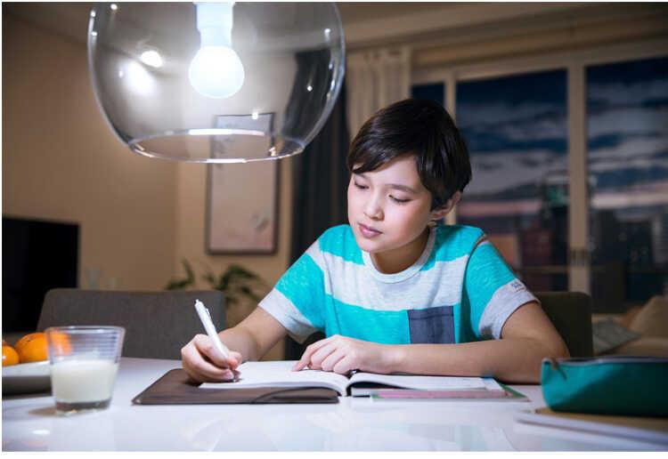 Đèn led bulb mycare Philips cho ánh sáng êm dịu, an toàn cho mắt